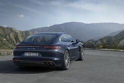 Yeni Porsche Panamera