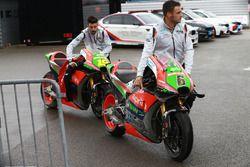 Le moto di Stefan Bradl, Aprilia Racing Team Gresini e Alvaro Bautista, Aprilia Racing Team Gresini