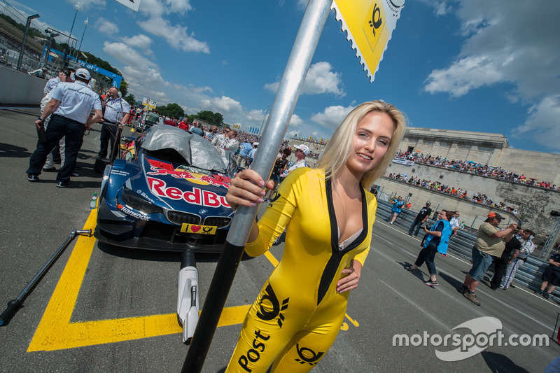 Grid girl, Marco Wittmann, BMW Team RMG, BMW M4 DTM