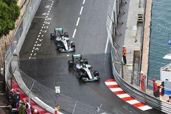 Nico Rosberg, Mercedes AMG F1 W07 Hybrid, und Lewis Hamilton, Mercedes AMG F1 W07 Hybrid