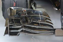Jenson Button, McLaren MP4-31 front wing detail