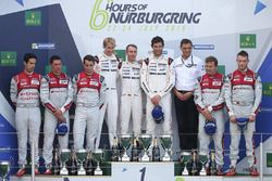 Podium: race winners Timo Bernhard, Mark Webber, Brendon Hartley, Porsche Team, second place Lucas d