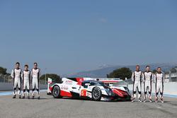 #5 Toyota Racing Toyota TS050 Hybrid: Anthony Davidson, Sébastien Buemi, Kazuki Nakajima, Mike Conway, Stephane Sarrazin et Kamui Kobayashi