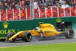 Jolyon Palmer, Renault Sport F1 Team bloque une roue au freinage