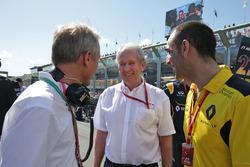 Guillaume Boisseau, Grupo Renault marcas a Director Dr. Helmut Marko, asesor de Red Bull Motorsport y Cyril Abiteboul, Managing Director de Renault Sport F1