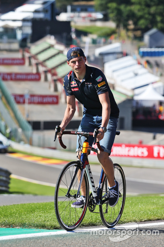 Max Verstappen, Red Bull Racing rides the circuit