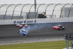 Kyle Larson, Chip Ganassi Racing, Chevrolet Camaro Credit One Bank spins after contact with Kyle Busch, Joe Gibbs Racing, Toyota Camry Skittles Red White & Blue