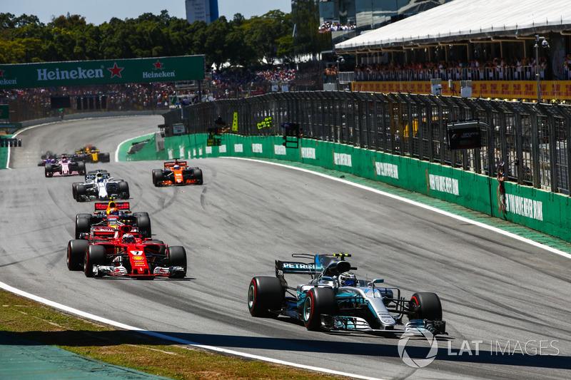 Valtteri Bottas, Mercedes AMG F1 W08, Kimi Raikkonen, Ferrari SF70H, Max Verstappen, Red Bull Racing RB13, Felipe Massa, Williams FW40, Fernando Alonso, McLaren MCL32