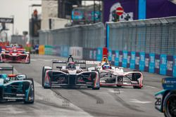 Edoardo Mortara, Venturi Formula E Team, Jose Maria Lopez, Dragon Racing, côte-à-côte