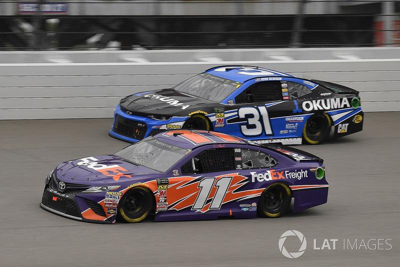 Denny Hamlin, Joe Gibbs Racing, Toyota Camry FedEx Freight e Ryan Newman, Richard Childress Racing