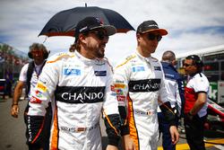 Fernando Alonso, McLaren, en Stoffel Vandoorne, McLaren