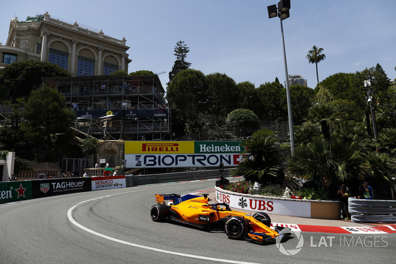 7: Фернандо Алонсо, McLaren MCL33 – 1:12.110