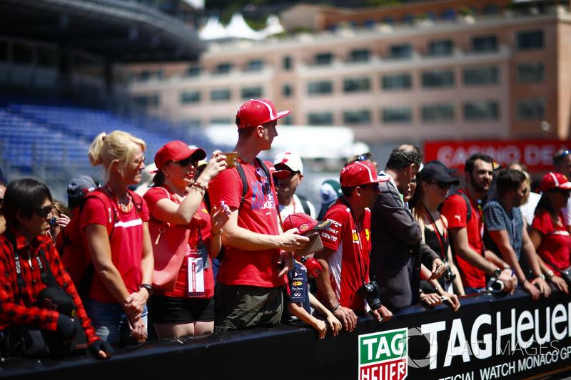 Des fans dans les stands