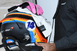El casco de Fernando Alonso, McLaren