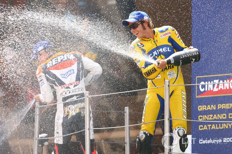 Podio: 1º Valentino Rossi, 2º Nicky Hayden, 3º Kenny Roberts Jr.
