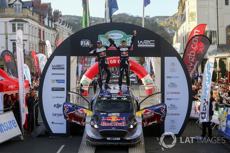Campeones del mundo de WRC Sébastien Ogier, Julien Ingrassia, Ford Fiesta WRC, M-Sport