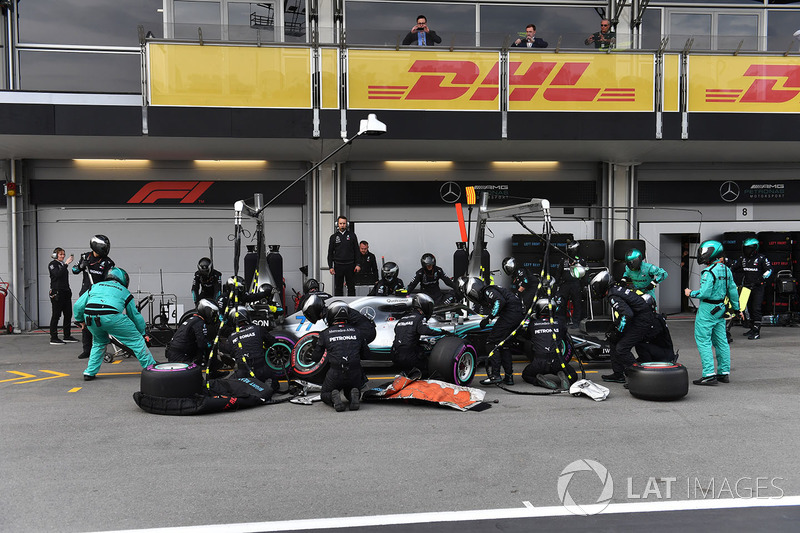 Valtteri Bottas, Mercedes-AMG F1 W09 EQ Power pit stop