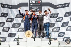 Podium: Racewinnaar Gabriele Tarquini, BRC Racing Team Hyundai i30 N TCR, tweede plaats Norbert Michelisz, BRC Racing Team Hyundai i30 N TCR, derde plaats Yvan Muller, YMR Hyundai i30 N TCR