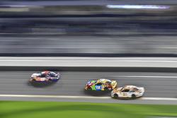 Denny Hamlin, Joe Gibbs Racing Toyota, Kyle Busch, Joe Gibbs Racing Toyota, Paul Menard, Wood Brothe