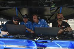 Ed Jones, Chip Ganassi Racing Honda engineers, Dario Franchitti