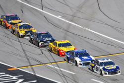 Chase Elliott, Hendrick Motorsports Chevrolet Camaro e Alex Bowman, Hendrick Motorsports Chevrolet Camaro