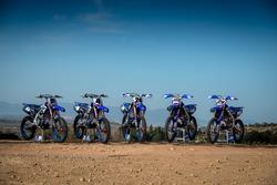 Le moto di Jeremy Seewer, Arnaud Tonus e Shaun Simpson, Wilvo Yamaha Official MXGP Team; Romain Febvre, Jeremy Van Horebeek, Yamaha Factory Racing Team