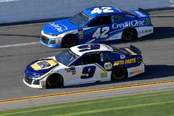 Chase Elliott, Hendrick Motorsports Chevrolet Camaro en Kyle Larson, Chip Ganassi Racing Chevrolet C
