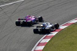 Esteban Ocon, Force India VJM11 y Lance Stroll, Williams FW41 batalla
