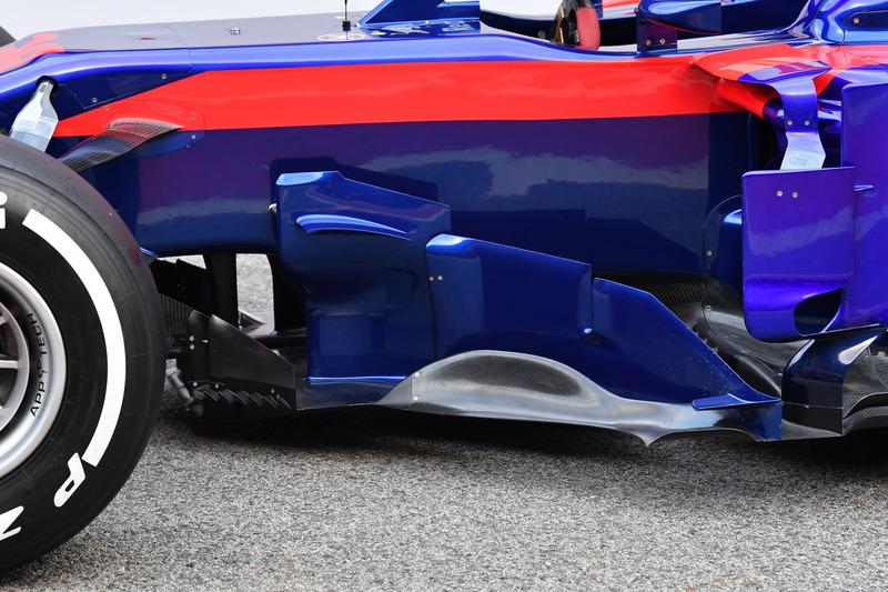 Detalle del bargeboard Scuderia Toro Rosso STR13