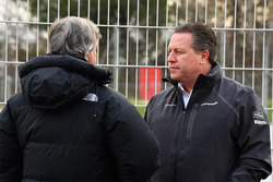 Carlos Sainz, Zak Brown, McLaren Executive Director
