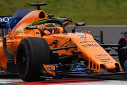 Stoffel Vandoorne, McLaren MCL33, aero paint on halo