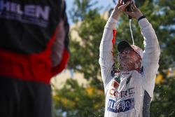 #54 CORE autosport ORECA LMP2, P: Jon Bennett, Colin Braun, Champagne