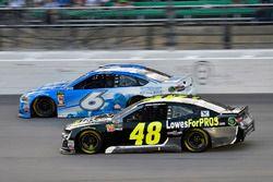 Matt Kenseth, Roush Fenway Racing, Ford Fusion Wyndham Rewards and Jimmie Johnson, Hendrick Motorsports, Chevrolet Camaro Lowe's for Pros