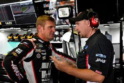 Clint Bowyer, Stewart-Haas Racing, Ford Fusion, mit Mike Bugarewicz