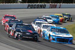 Matt Kenseth, Roush Fenway Racing, Ford Fusion Roush Performance Chris Buescher, JTG Daugherty Racing, Chevrolet Camaro Kleenex Wet Wipes
