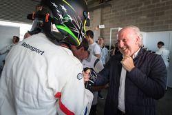 Ganador de la pole Chaz Mostert, BMW Team Schnitzer, David Richards, BMW Team SRM