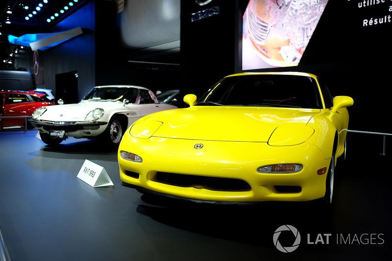 Mazda RX-7, Mazda Cosmo