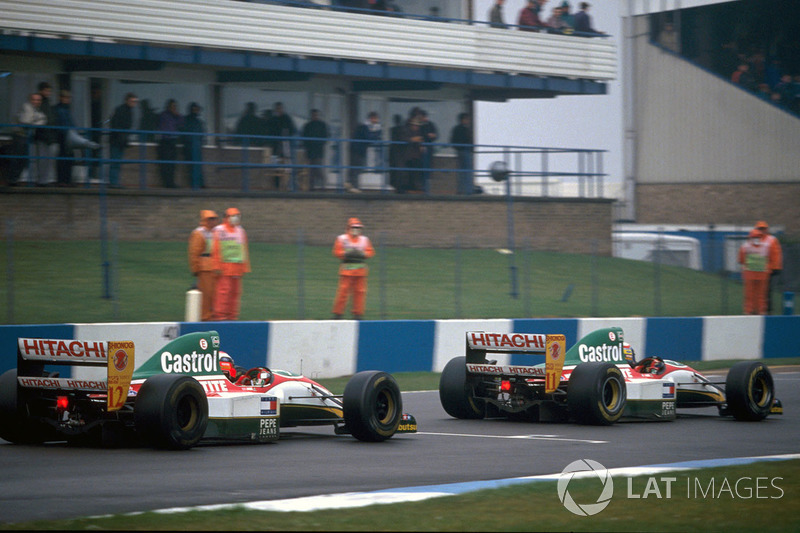 Johnny Herbert, Lotus 107B ve Alessandro Zanardi, Lotus 107B