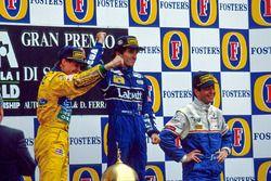 Podium: winnaar Alain Prost, tweede Michael Schumacher, derde Martin Brundle