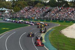 Sebastian Vettel, Ferrari SF71H al inicio de la carrera