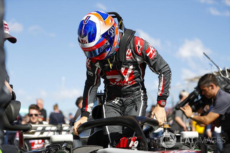 Romain Grosjean, Haas F1 Team, en la parrilla