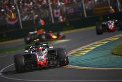 Kevin Magnussen, Haas F1 Team VF-18 Ferrari, Romain Grosjean, Haas F1 Team VF-18 Ferrari, and Daniel Ricciardo, Red Bull Racing RB14 Tag Heuer