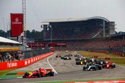 Arrancada Sebastian Vettel, Ferrari SF71H, Valtteri Bottas, Mercedes AMG F1 W09, Kimi Raikkonen, Ferrari SF71H, Max Verstappen, Red Bull Racing RB14