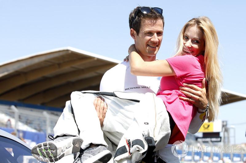 Auch privat findet Ogier sein Glück in Deutschland. 2014 heiratet er die TV-Moderatorin Andrea Kaiser, im Juni 2016 wird in München der gemeinsame Sohn Tim geboren.