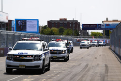 The drivers get a ride with the New York Police