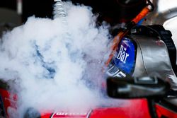 Dry Ice in use to cool a car