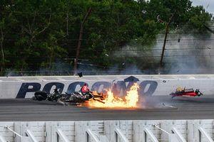 Crash: Robert Wickens, Schmidt Peterson Motorsports Honda