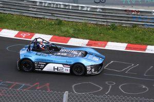 Jan Lammers bestuurt de Forze VI waterstofracer van de TU Delft op de Nürburgring-Nordschleife