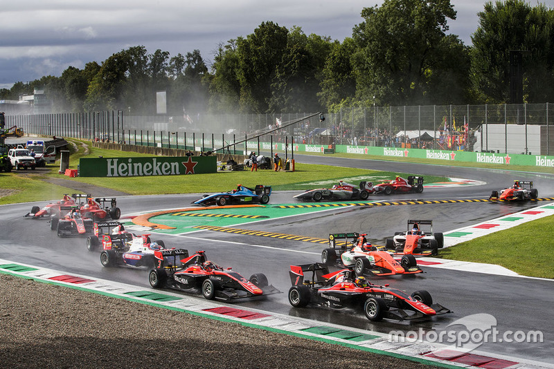Les pilotes MP Motorsport ont préféré couper le premier virage