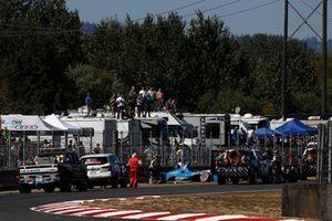 Ed Jones, Chip Ganassi Racing Honda, crash
